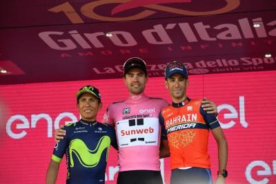 20170528201347-podium-giro-2017.jpg